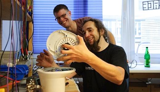 JEZT - Max Dornheim und Stephan Richter vom Reparier-Cafe in Jena - Foto © bei Oda Beckmann